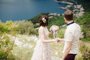 honeymoon couple travel together