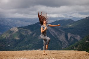 woman dance choreography outdoors