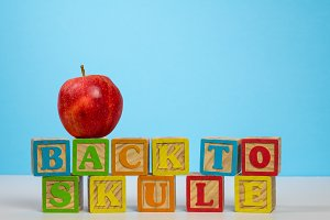 Back to School spelled wrongly with