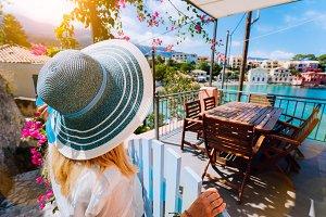 Female tourist in blue sunhat in