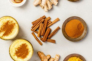 turmeric tea or golden turmeric latt