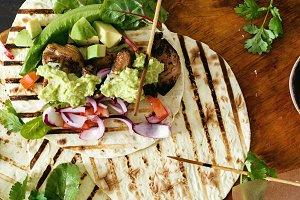 tacos grill salsa guacamole chicken