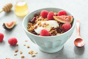 Honey granola with yogurt and fruits