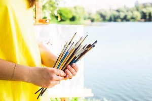 Brushes for drawing in hands