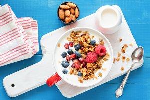 Pomegranate granola with yogurt