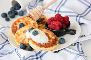 Cottage cheese pancakes or sirniki