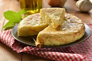 Spanish omelette with potato and egg