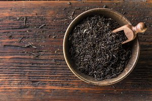 Dried black tea