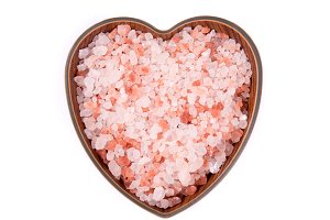 Himalayan pink salt in ceramic bowl,