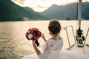 wedding bride travel on yacht