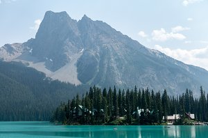 Emerald water at Yoho Park Canada