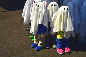 Halloween Ghost figures wear shoes