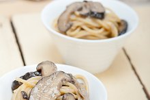 spaghetti pasta and wild mushrooms 014.jpg