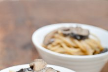 spaghetti pasta and wild mushrooms 021.jpg