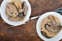 spaghetti pasta and wild mushrooms 028.jpg