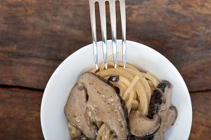 spaghetti pasta and wild mushrooms 037.jpg