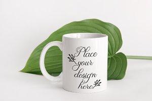 Modern white coffee mug mockup psd
