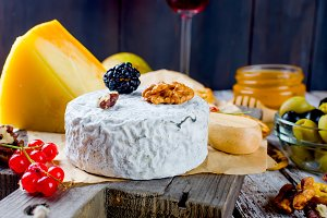 cheese with mold with berries, snack