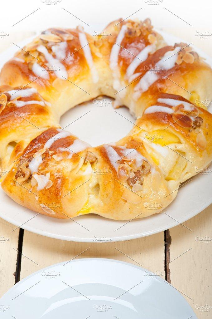 sweet bread donut cake 001.jpg - Food & Drink