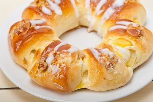 sweet bread donut cake 006.jpg