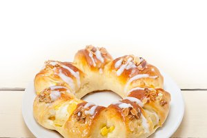 sweet bread donut cake 004.jpg