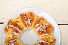 sweet bread donut cake 002.jpg