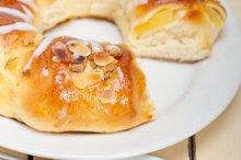 sweet bread donut cake 027.jpg