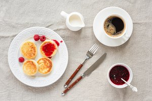 Cottage cheese pancakes, coffee, jam