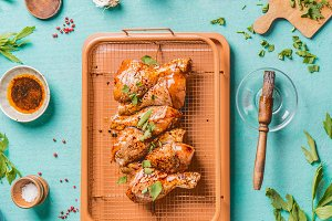 Cooking raw chicken drumsticks