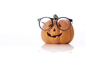 pumpkin jack lantern with spectacles