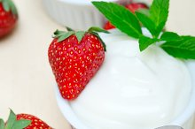 Greek organic yogurt and  strawberries 023.jpg