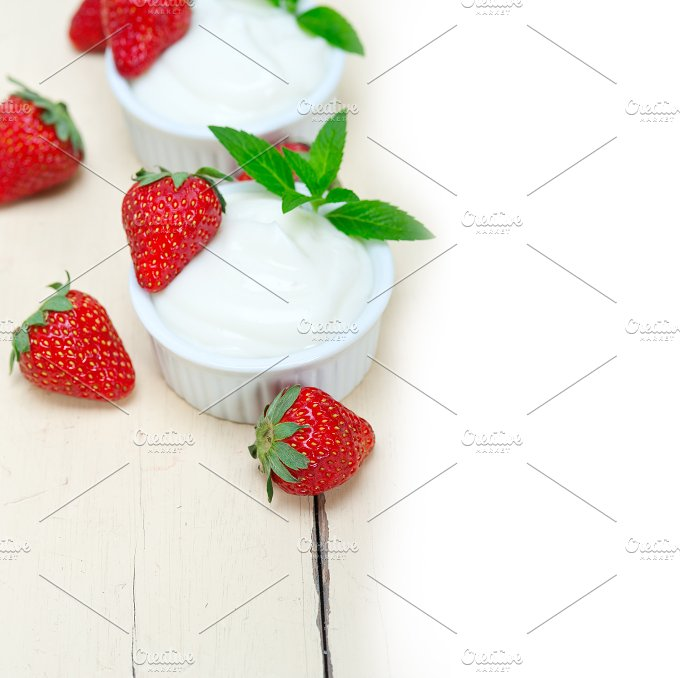 Greek organic yogurt and strawberries 025.jpg - Food & Drink
