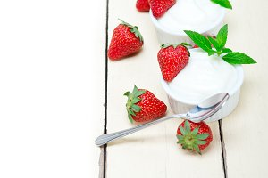 Greek organic yogurt and  strawberries 020.jpg