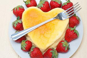 heart shape cheesecake and strawberries 005.jpg