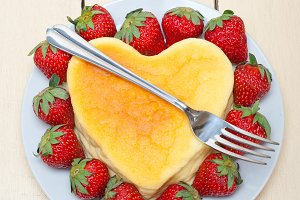 heart shape cheesecake and strawberries 006.jpg