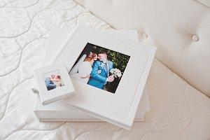 Elegant wedding photobooks or photo