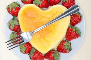 heart shape cheesecake and strawberries 013.jpg