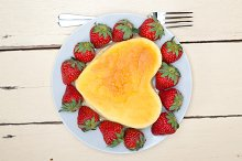 heart shape cheesecake and strawberries 018.jpg
