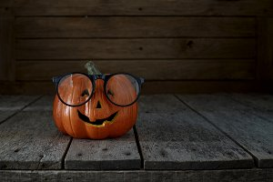 jack-o-lantern on wooden background