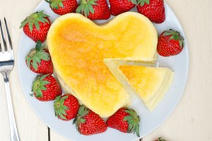 heart shape cheesecake and strawberries 022.jpg