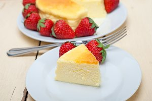 heart shape cheesecake and strawberries 029.jpg
