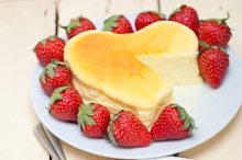 heart shape cheesecake and strawberries 031.jpg
