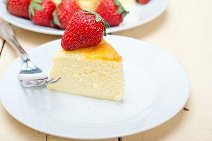 heart shape cheesecake and strawberries 034.jpg