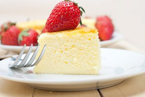 heart shape cheesecake and strawberries 033.jpg