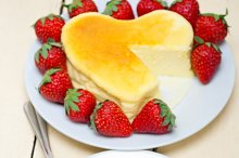 heart shape cheesecake and strawberries 041.jpg