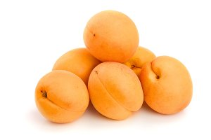 heap apricot fruits isolated on