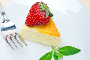 heart shape cheesecake and strawberries 044.jpg