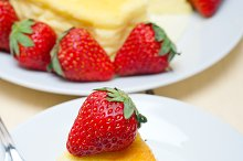 heart shape cheesecake and strawberries 043.jpg