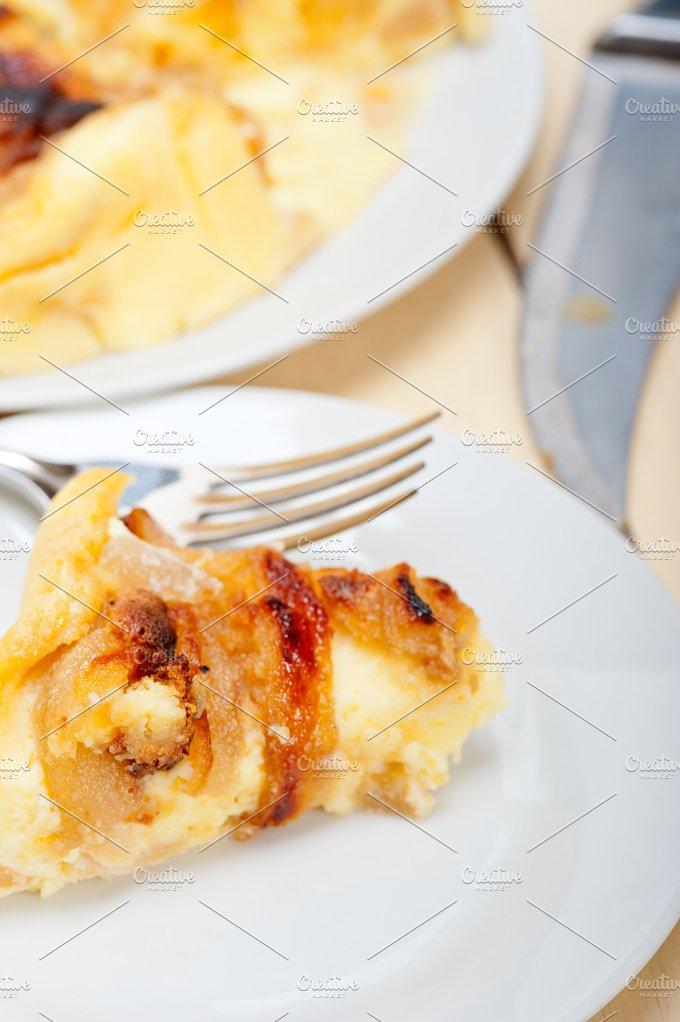 pears pie cake 023.jpg - Food & Drink