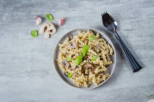 Pasta Fusili with mushrooms